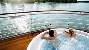 Koupání a bazény na palubě